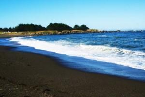 Santo-Domingo-Beach-Albay