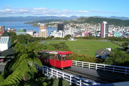 Wellington-NZ-cablecar-topview