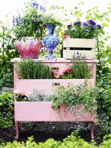 recycled-furniture-fairytale-garden-4