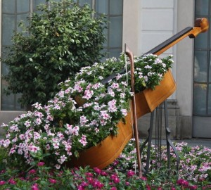 recycled-furniture-garden-1