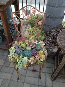 recycled-furniture-garden-11