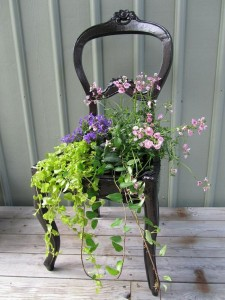 recycled-furniture-garden-15