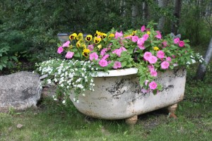 recycled-furniture-garden-7