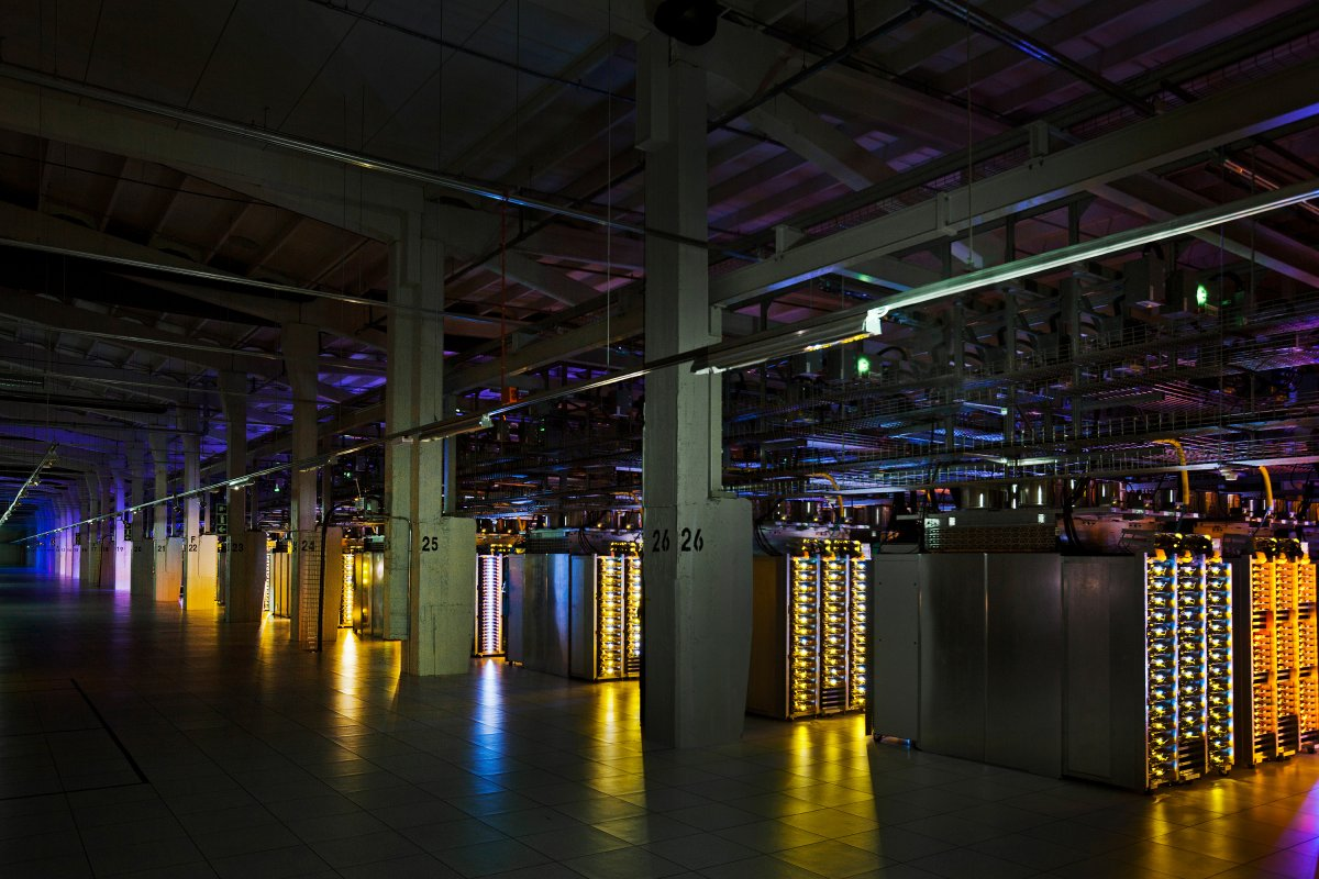 data-centers-basically-power-all-of-googles-services-so-they-need-to-run-24-hours-a-day